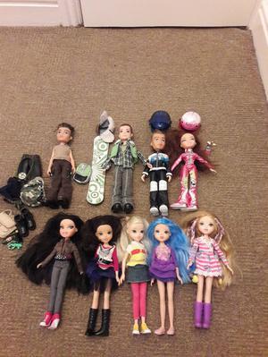 moxie dolls and bratz