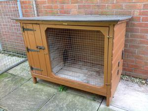 Outdoor Rabbit Hutch and Run