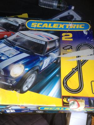 "SCALEXTRIC ""MINI MAYHEM 2"""