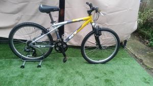 "JUNIOR BIKE GT AGGRESSOR 2 SUSPENSION MOUNTAIN BIKE 21 SPEED 24"" WHEELS"