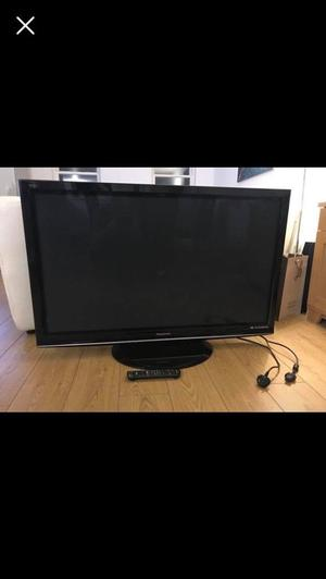 Tv 50in for sale with remote, fully working