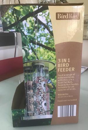3 in 1 bird feeder, new in box, great gift