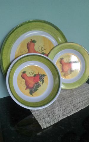 4 sets of Melamine dinner & side plates and dishes