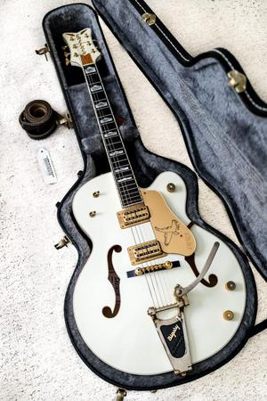 Gretsch G T White Falcon With Bigsby