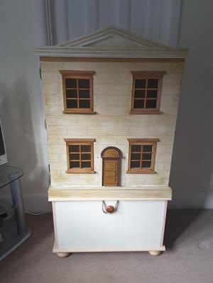 Lovely gift or hobby dolls house