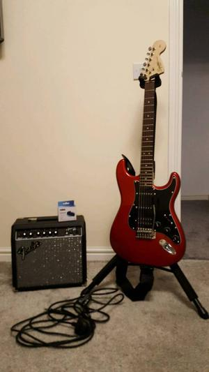 Squier Affinity Strat HSS with Amp