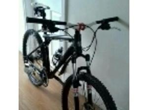 **priced to sell** gt avalanche 1.0 mountain bike upgraded