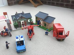 POSTMAN PAT PLAYSETS WITH VEHICLES AND FIGURES
