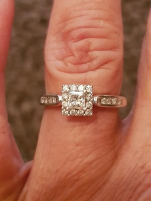 *REDUCED * 0.5ct diamond solitaire princess cut ring 18ct white gold