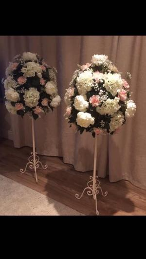 Top of ceremony flower stands