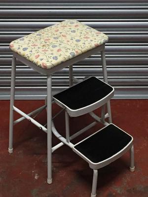 Vintage Retro Kitchen Step Stool / Seat