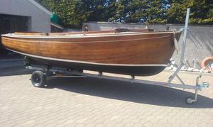 17' CARVEL TEAK FISHING BOAT WITH 11HP YANMAR DIESEL INBOARD. ROAD TRAILER £.