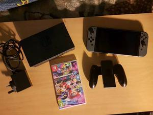 """COMPLETE NINTENDO SWITCH GAMES CONSOLE WITH MARIO KART 8 """"MUST SEE"""""""
