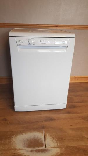 Hotpoint Aquarius Freestanding Dishwasher FDAL28P – White, Excellent Condition!