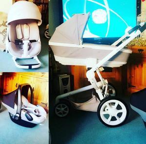 Quinny Moodd Travel System Minus Car seat GREY & WHITE
