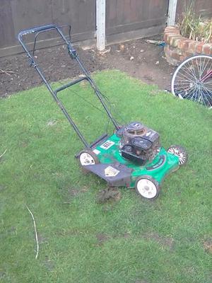 Brigs and stratton petrol lawn mower