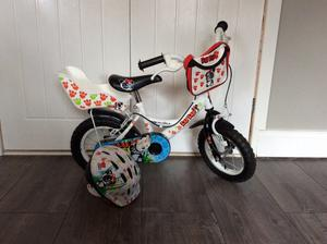 Bike. Girls Bike Apollo Halfords Bike. First £20 takes it.