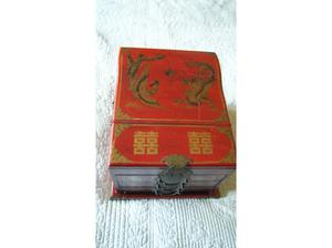 Beautiful large Chinese jewellery box. in Farnham