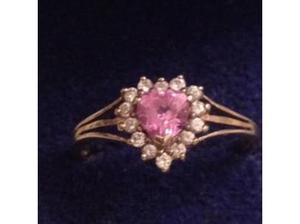 Ladies Jewellery 9ct Gold Pink Amethyst & C.Z Heart Ring