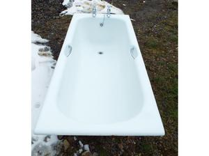 Cast iron bath in Beaworthy