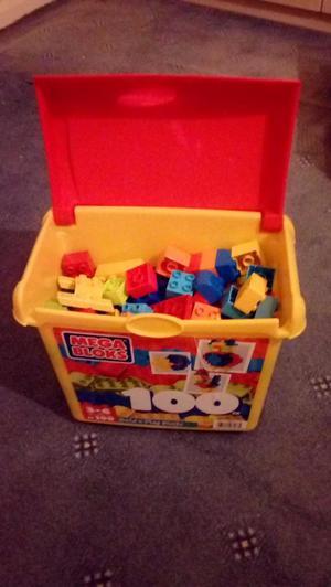 For Sale - Mega Blox 100 piece box of build n play blocks