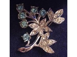 Ladies Silver C.Z Leaf Brooch Light Blue C.Z in Wells