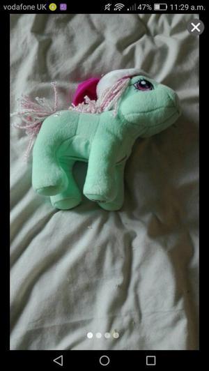 My little pony singing Christmas pony