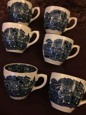 Six Vintage wedgewood Tea cups & saucers