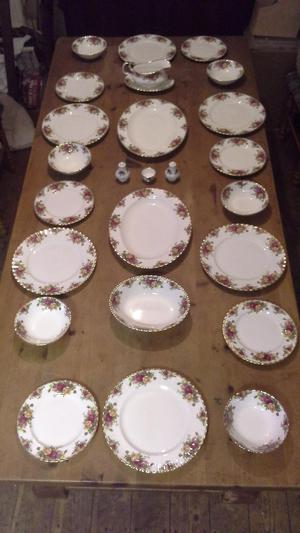 Large Collection of Royal Albert Old Country Roses