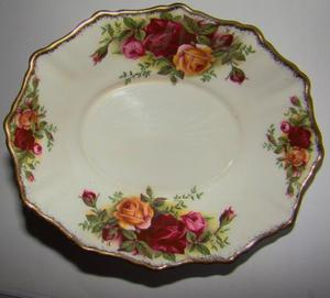 Royal Albert Old Country Roses After Eight