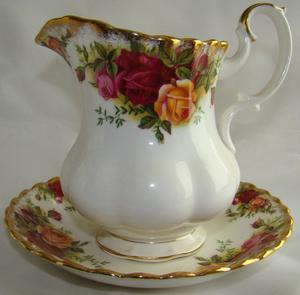 Royal Albert Old Country Roses Creamer/Milk Jug+Saucer