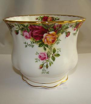 Royal Albert Old Country Roses Pot Plant Holder