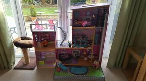 VERY LARGE DOLLS HOUSE.