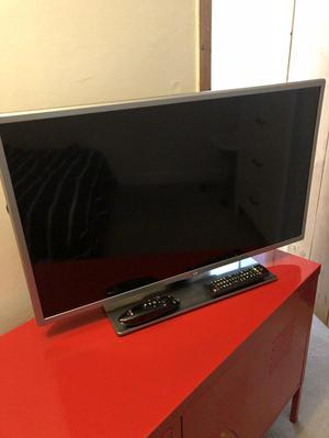 "32"" LG Full HD Smart LED TV - With Magic Remote"