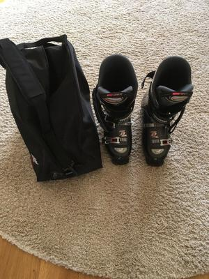 Mens Ski boots and bags