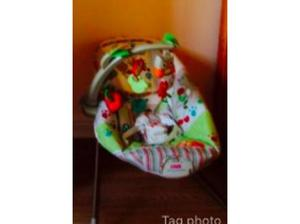 Fisher Price Woodsy Friends Bbaby Bouncer in Paisley