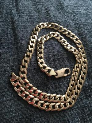 9ct gold solid necklace weighs over 2oz