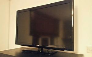 "LG 42"" Full HD p LCD TV with Built in Freeview"