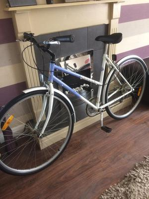 Ladies Raleigh Hybrid/ Town Bike