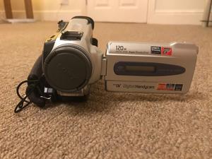 Sony digital Handycam DCR - TRV18E