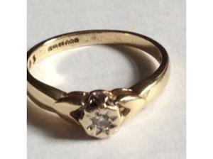 Ladies Jewellery 9ct Gold Diamond Solitaire Engagement Ring