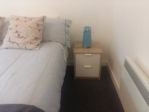 Brand New Teak Amp White Bedroom Set Wardrobe Posot Class