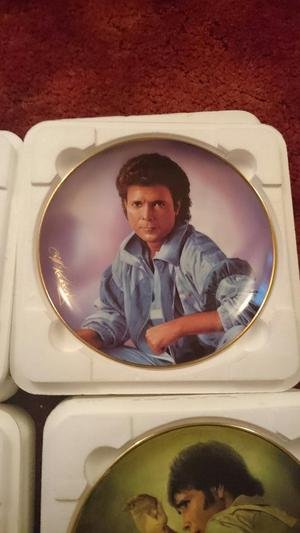 Cliff Richard Boxed Porcelain Plates By Posot Class
