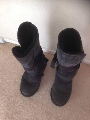 Emu Boots Black size 7
