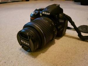 Nikon D DSLR camera Excellent condition! With many accessories!