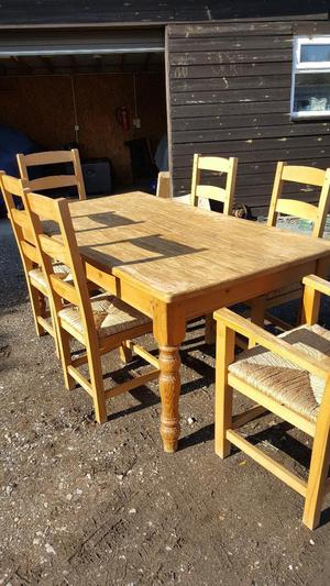 Pine Dining Room Table and 6 Chairs