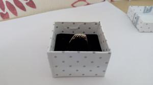 18k gold and platinum three diamond ring