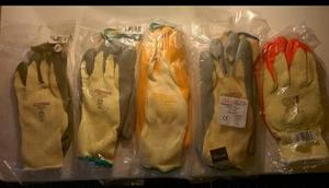 Job lot of  pairs of safety / Gardening gloves