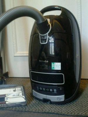 Miele S Power Plus W Vacuum cleaner