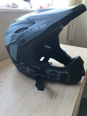Seven Dip full face helmet